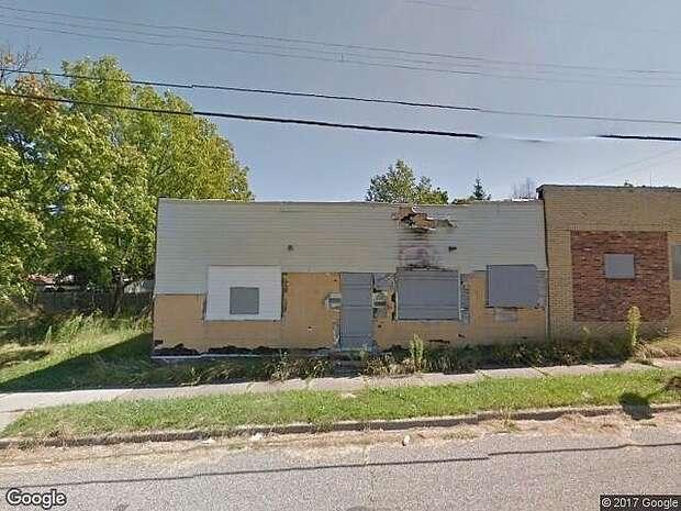 Edith St S, Pontiac, MI 48340