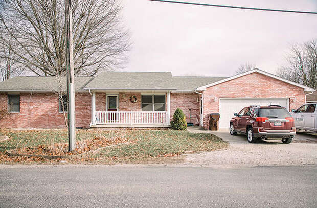 Harris, Auburn, IL 62615