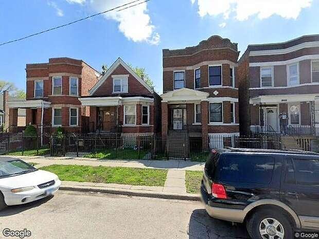 Justine, Chicago, IL 60609