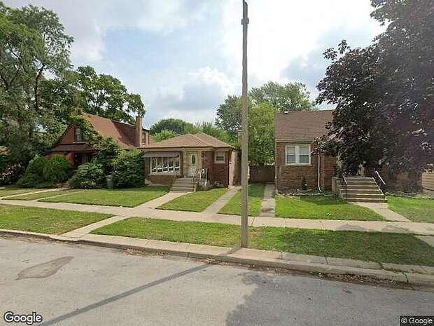 W Confidential St, Chicago,, IL 60607