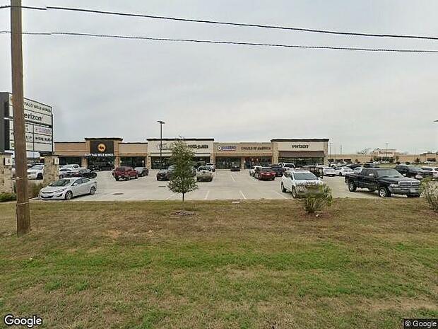 Live Oak S, New Caney, TX 77357