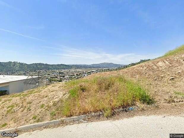 Beech St, Los Angeles,, CA 90065