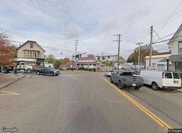 W Maple St, Hartville,, OH 44632
