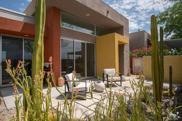 3548 Foothill Avenue, Palm Springs, CA 92262