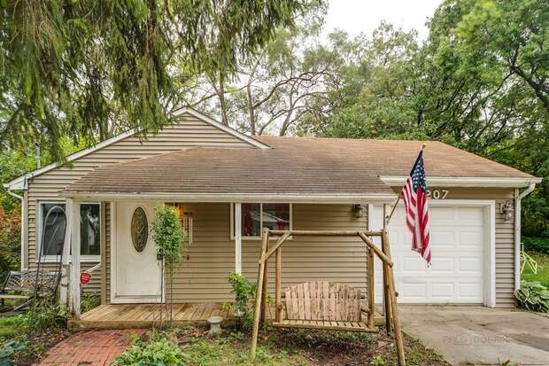 5207 North Leeside St., McHenry, IL 60050