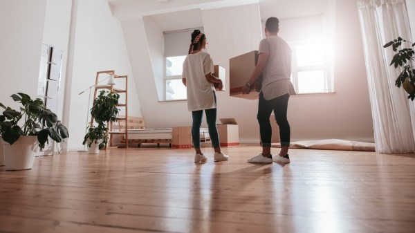 home buyers buy bank owned property